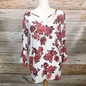 Torrid White & Red Floral Boho Blouse Bell Sleeves